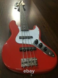 Skwill 3/4 Size 4-String Electric Bass Guitar, Red+Padded Gig Bag. YF-JBMINI/RD